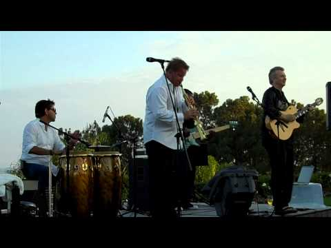 Chilaxin' - Euge Groove Featuring Peter White (Smooth Jazz Family)