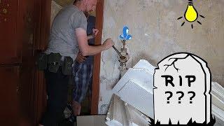 SELBSTMORD? ILLEGALES HAUS VOM ARZT IM WALD! | OHNE STROM UND WASSER? | Lost Place #031