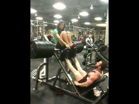 Lorenzo Reynaga 1550 Lbs Leg Press Gold's Gym LA.MOV