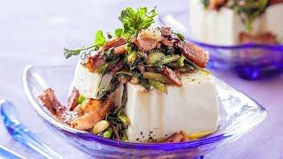 豆乳に凝固剤を加えてそのまま固める絹ごし豆腐と、豆乳に凝固剤を加えてから型に崩し入れ、圧力をかけて固める木綿豆腐。製法の違いから、...