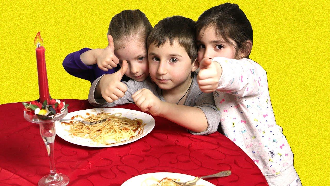 მზარეული ალექსანდრე გემრიელ სურპრიზს უმზადებს მის მონატრებულ მეგობრებს,  ანასტასიას და ლიზიკოს.