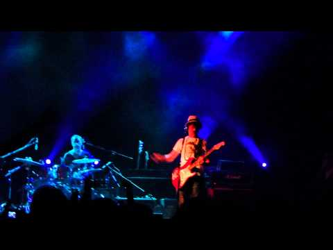 Lady Pank - Mała Lady Punk live BIS - Klub Stodoła 13.11.2011 [17/17]