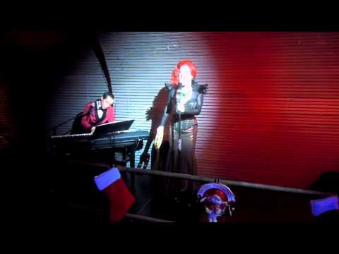 Jinkxx Monsoon feat. Major Scales Performing Give The Jew Girl Toys