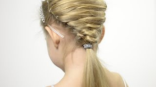 Very cute Christmas tree hairstyle with elastics. Party hairstyle for little girl #8