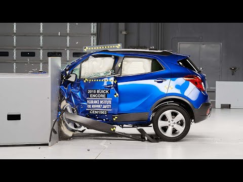 2015 Buick Encore driver-side small overlap test