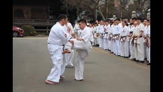 2020年1月12日、護国寺にて行われた奉納演武です。 組手 島本雄二、落合...