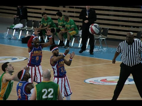 harlem-globetrotters-at-the-castello,-duesseldorf-2015