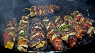 Como hacer Brochetas a la Cerveza / How to make skewers marinated in beer thumbnail