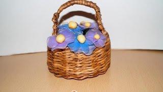 Корзинка с цветами из капрона. Как сделать(Цветы из капрона – прекрасный подарок на любой праздник. Как сделать, смотрите мастер класс. http://www.sdelaysam-svoimi..., 2015-05-11T12:46:05.000Z)