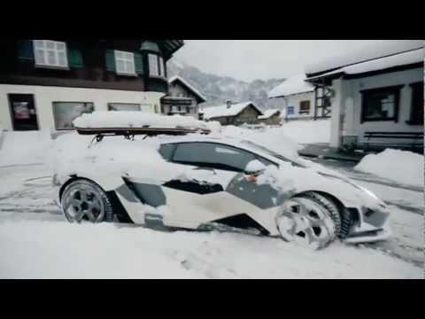 Lambo Snow Drifting