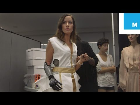 Meet the Runway Model with One of the World's Most Advanced Prosthetic Limbs | Mashable  Docs