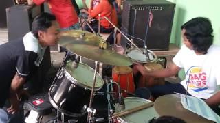 Download Video Adil SAGITA live Kendedes Singosari Malang.... MP3 3GP MP4