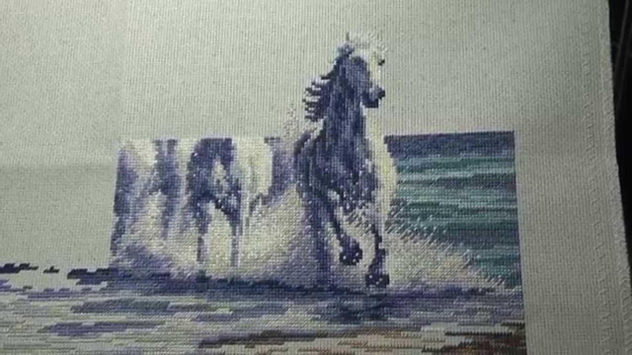 Лошади и волна вышивка