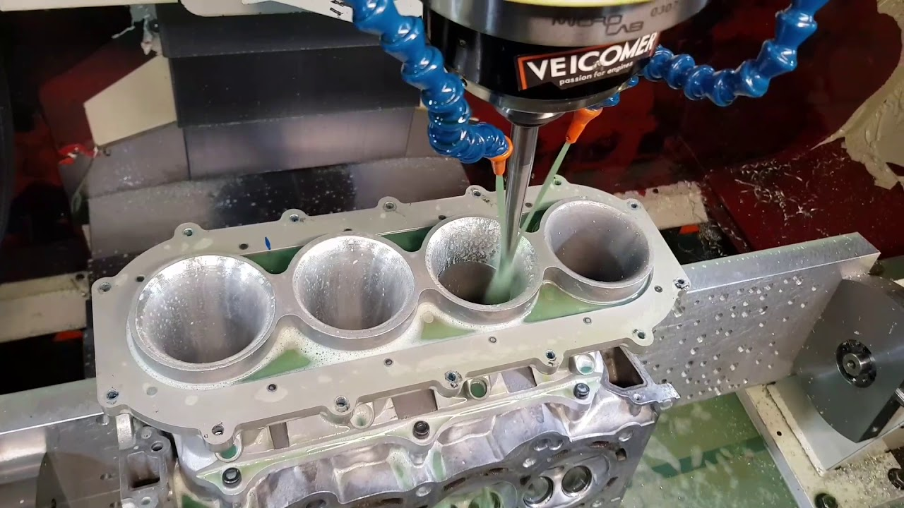 Intake manifold Skunk2 porting together the Cylinder Head
