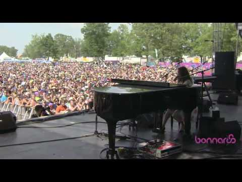 Regina Spektor - On the Radio (Bonnaroo 2010)