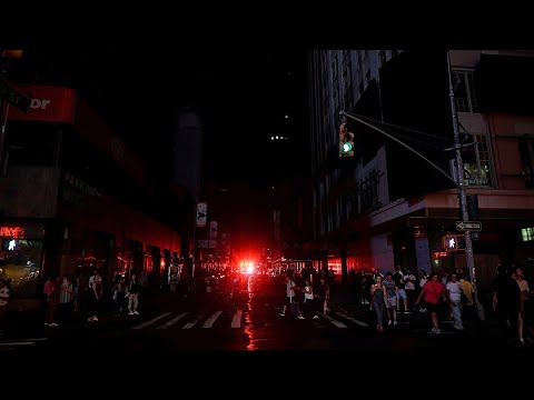 NYC Blackout: Manhole Fire Knocks Out Power for More than 45K in Manhattan | NBC New York