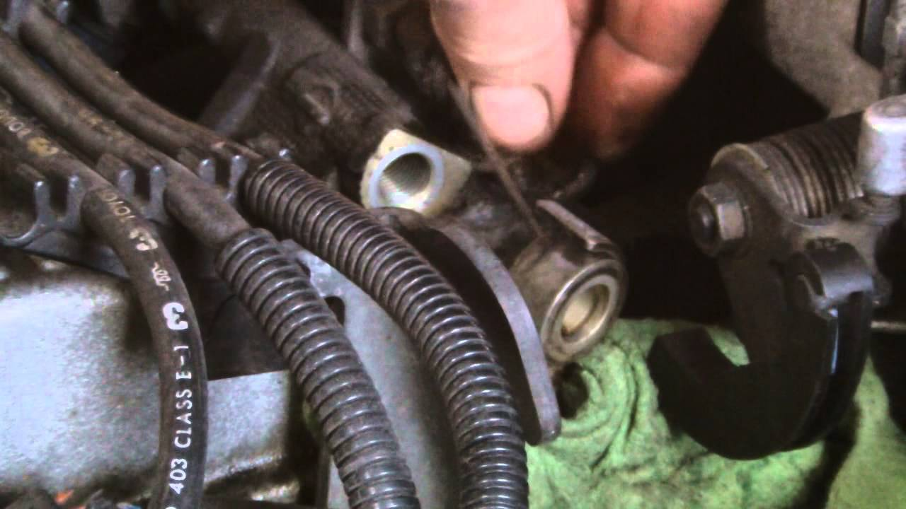 Toyota Engine Repairchanging A Faulty Fuel Injector Youtube 4age Wiring Diagram 7afe To 20v Bt