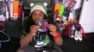 Review and Unboxing of the Michael Jackson Playmates Billie Jean Doll.