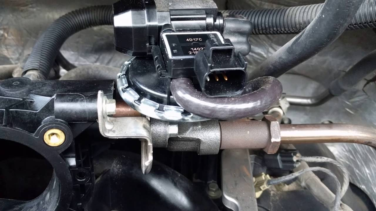 2008 4.6 V8 Ford F150 EGR valve - YouTubeYouTube