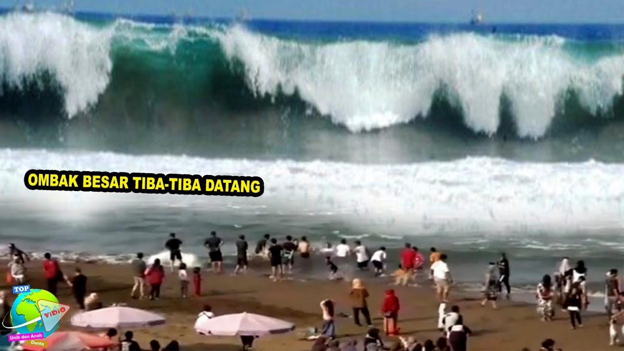 Download Wisatawan Berhamburan!! Tiba² Ombak Tinggi Hantam Pantai Selatan Yogyakarta Hari Ini!! Jauhi Pantai