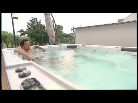 Whirlpool im Garten - YouTube