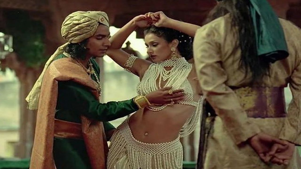 Nude Scenes In Bollywood Movies