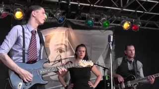 Snatch it back and hold it - the Hellhounds  Brielle Blues 2014