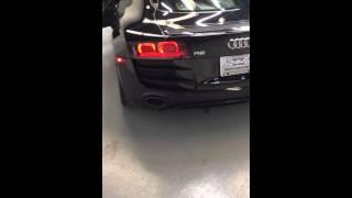 Audi R8 V10 Revving