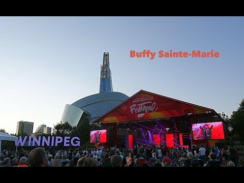 Buffy Sainte-Marie LIVE - Power In The Blood