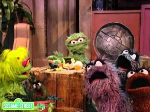 Sesame Street Oscar Finds A Grouchy Place Doovi