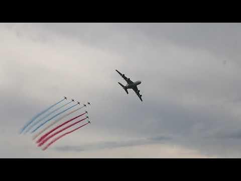 La Patrouille de France et l'A380 au Piper opération cobra