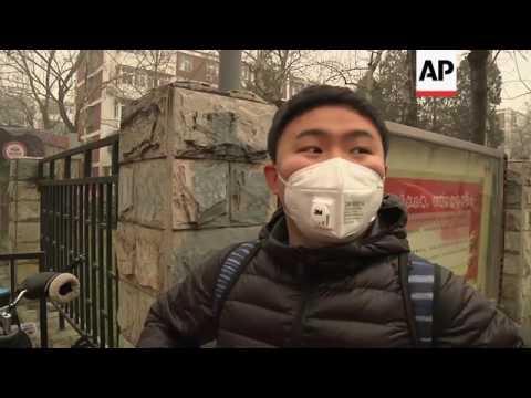 Beijing residents wake up to Christmas day smog