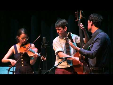 Jordan Tice, Paul Kowert and Brittany Haas in California - Last song + encore