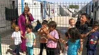 Contenedores, cibercafé y otras cosas de la vida de los refugiados sirios en Turquía