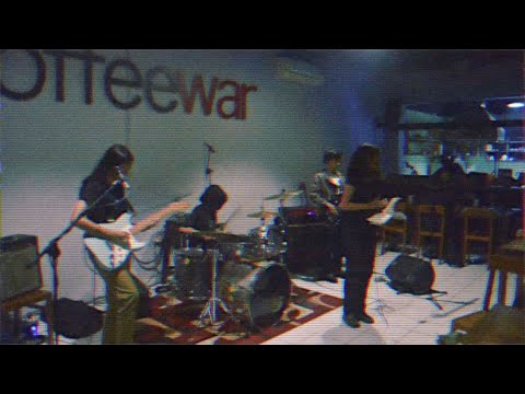 Download Zirah - Kuasa Live @ CoffeeWar Mp4 baru