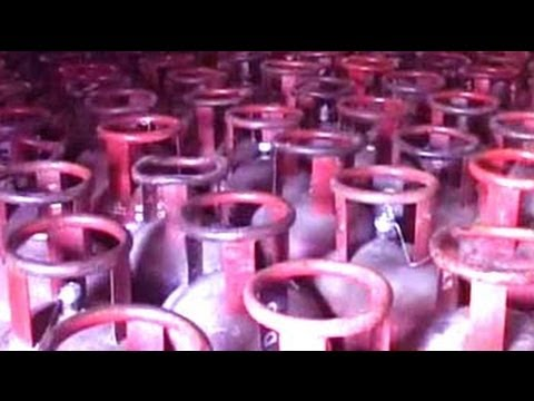 Rahul effect: Cabinet raises quota of subsidised gas cylinders to 12 from 9