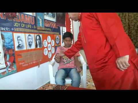 Kannada- Bijapur- Hypnosis- Live demonstration of Hypnotizing a person by our Guruji