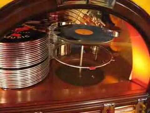 Wurlitzer 1015 Jukebox Restored Playing 78 Records