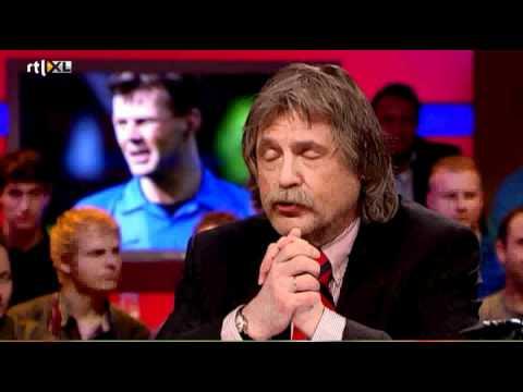 Johan Derksen wil dat Dick van Egmond zijn mond houd