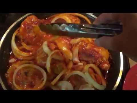 Pollo Frito En Salsa De Chiles Guajillos (Deliciosa Receta Mexicana)
