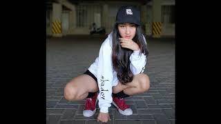 Cover images Aisyah Jamilah ✓ sandrina feat Iva lola