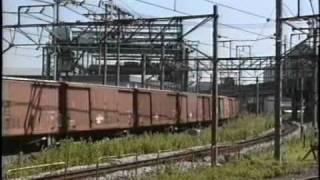 浜川崎駅にて、 EF651006牽引のワム80000列車です。