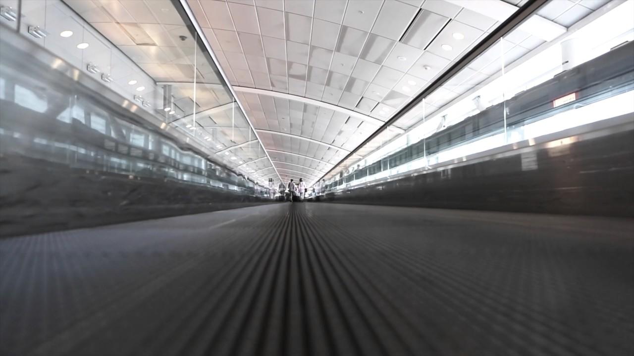 Endless Airport Escalator | 4K Relaxing Screensaver - YouTube