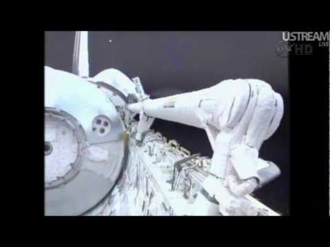 STS 135 - Atlantis. More UFOS.