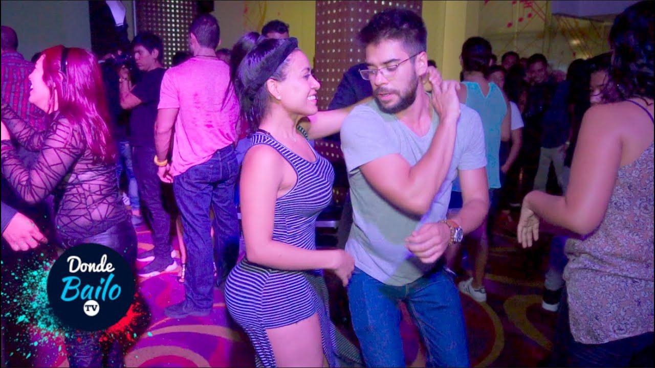 Mexicanos Bailando Salsa en el Casino | Casino Life CDMX 2020