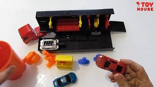 Грузовик автомойка с машинками меняющими цвет в воде. Видео обзор игрушек.