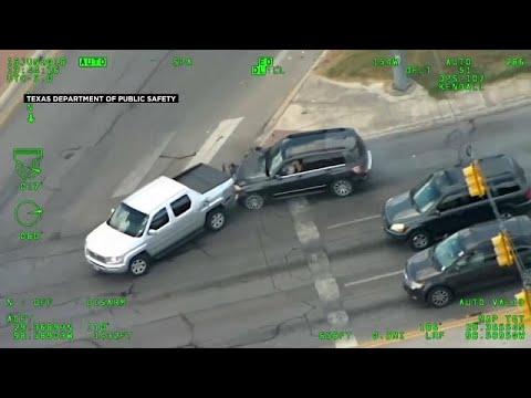 شاهد: امرأة تهرب بسرعة جنونية من الشرطة وتعرض طفلها للخطر…