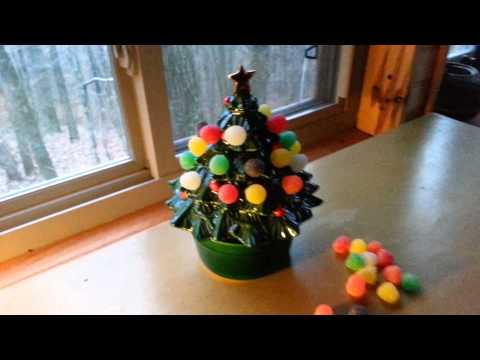 Lefton MUSICAL CHRISTMAS TREE