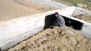 видео Битумная мастика для гидроизоляции фундамента