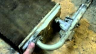 видео как снять радиатор печки ваз 2107